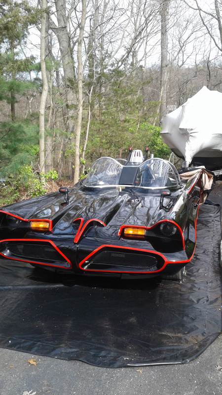 bat-mobile-carcapsule.jpg